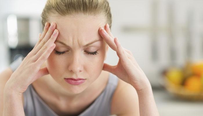 वेळेपूर्वीचं म्हातारपण टाळण्यासाठी तणावापासून राहा दूर