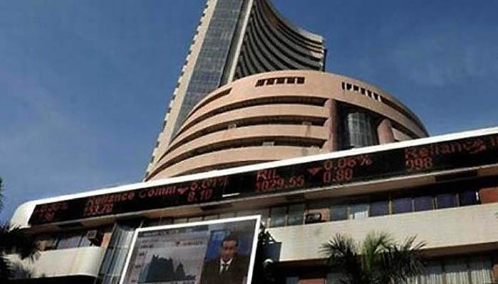 मुंबई शेअर बाजारात मोठी घसरण