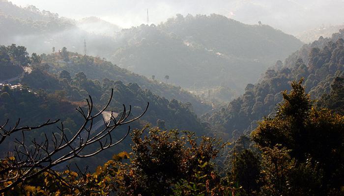 हिमाचल प्रदेशात पर्यटकांचे प्रचंड हाल