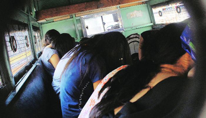 हिंजवडीतल्या फार्महाऊसवर पोलिसांची धाड; ५० जण ताब्यात