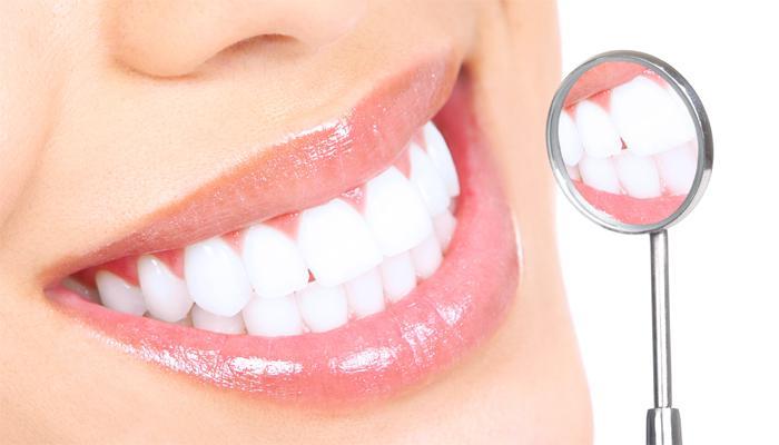 खास: चमकदार दातांसाठी... समजुती, वास्तव आणि टिप्स