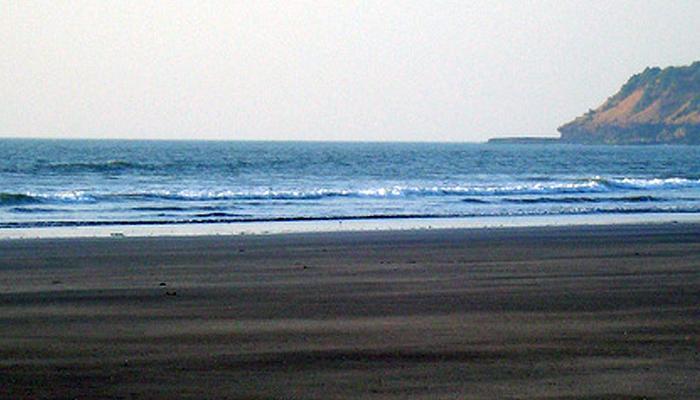 पुण्यातील दोघांचा दापोलीतील समुद्रात बुडून मृत्यू