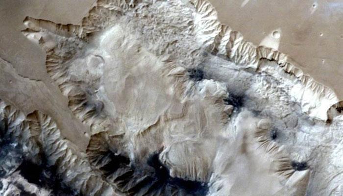 मंगळयानाने पाठवले मरीनेरिस खोऱ्याचे ३डी फोटो