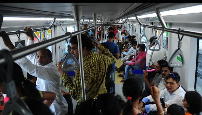 फक्त ३०० रुपयांत, मुंबई दर्शन आणि मेट्रोची सफर