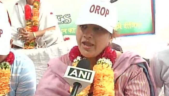 OROP: जंतर-मंतरवरील आंदोलनात व्हि. के. सिंहाची मुलगी सहभागी