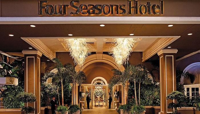 ओबामांच्या भेटीसाठी सलमान यांनी २२२ रूमचं हॉटेल बुक केलं