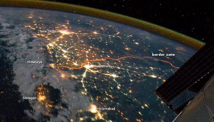 शानदार, अद्भूत, लाजजवाब, पाहा अंतराळातून रात्री कशी दिसते भारत-पाक बॉर्डर