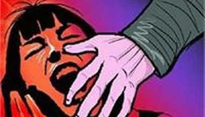 IPS अधिकाऱ्यांवर लैंगिक शोषणाचा आरोप, भाऊ आणि वडिलांनीही केला अत्याचार
