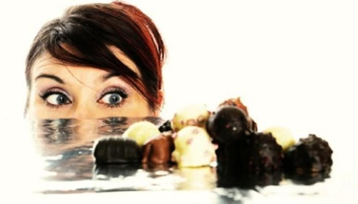 चिंच, चॉकलेट की... तुम्हाला काय खावसं वाटतंय... आणि का?