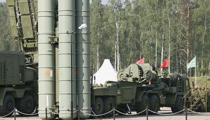 चीन, पाकिस्तानचा मुकाबला करण्यासाठी भारत घेणार एस-400 'ट्रायम्फ'