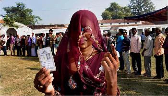 बिहारमध्ये चौथ्या टप्प्यात ५७.५९ टक्के मतदान, निकाल ८ नोव्हेंबरला