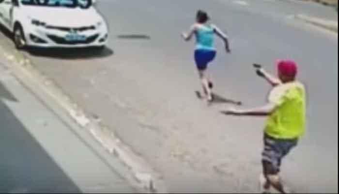 पत्नीवर ११ वेळा गोळीबार, पोलीस अधिकाऱ्याचा व्हिडिओ वायरल