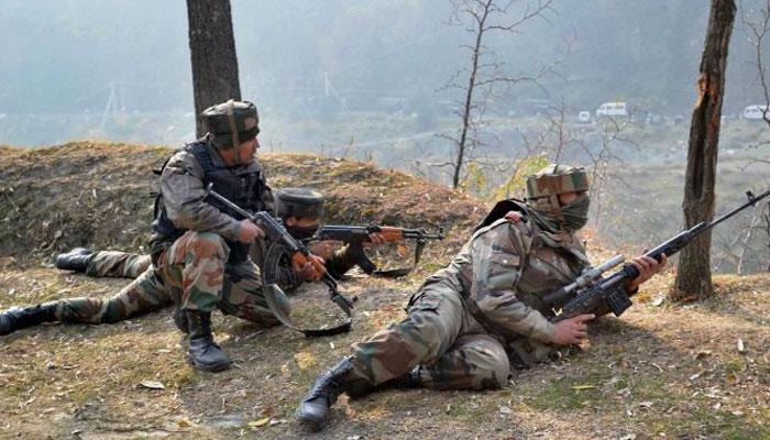 काश्मीरमध्ये चार दहशतवाद्यांचा खात्मा