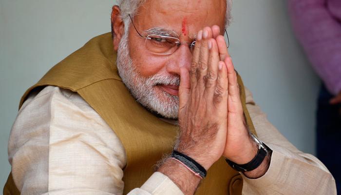 काँग्रेससमोर झुकले पंतप्रधान नरेंद्र मोदी