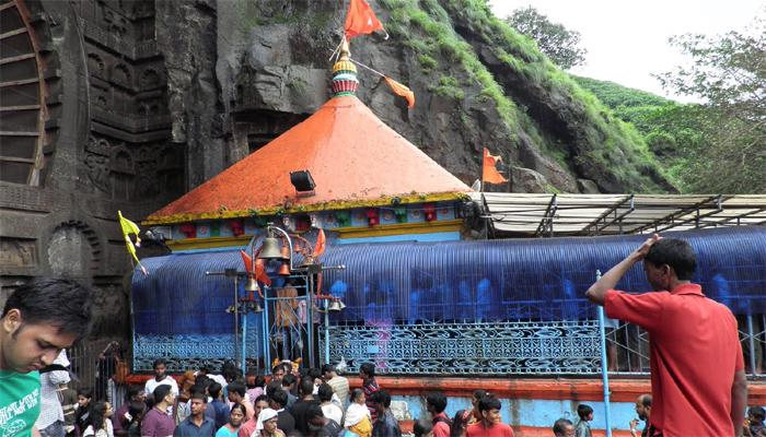 कार्ल्याचं प्रसिद्ध एकविरा देवीचं मंदिर 'अनधिकृत'!