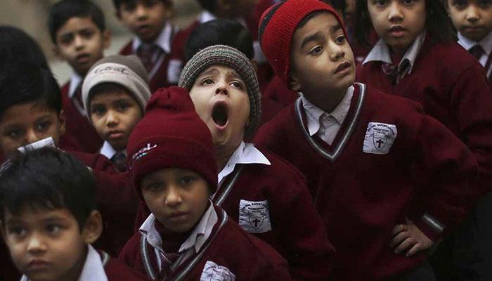 दिल्लीत १ ते १५ जानेवारीदरम्यान शाळा बंद राहणार?