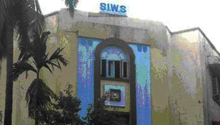 टवाळखोरीला कंटाळून SIWS च्या विद्यार्थीनीची आत्महत्या