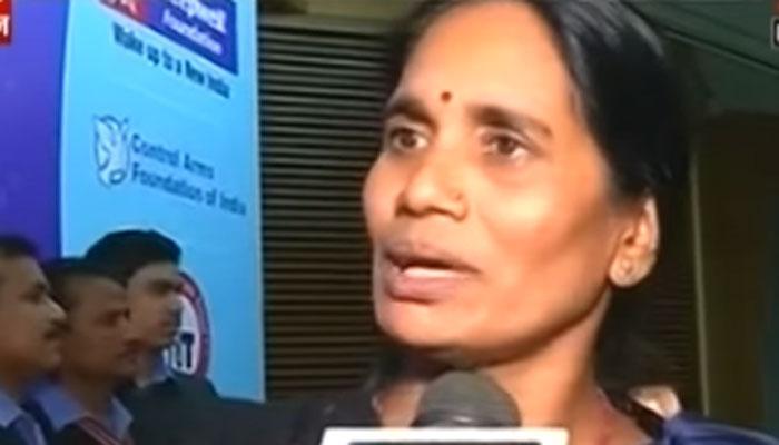 माझी मुलीचे नाव 'ज्योति सिंह', नाव जाहीर करायला लाज नाही : निर्भयाची आई