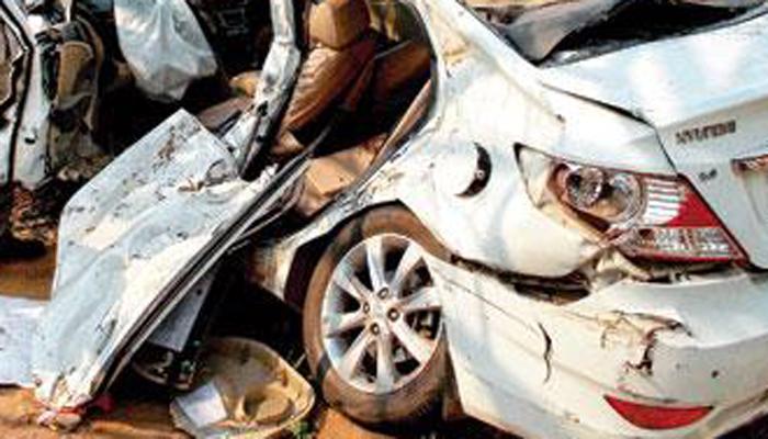 नाशिक येथील कार अपघातात ५ ठार