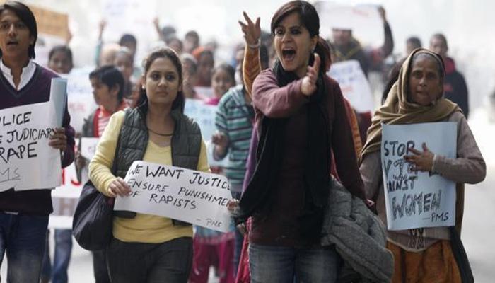 दिल्ली गँगरेप : 'तो' मोकाट सुटला; आज सगळ्यांच्या नजरा संसदेकडे!