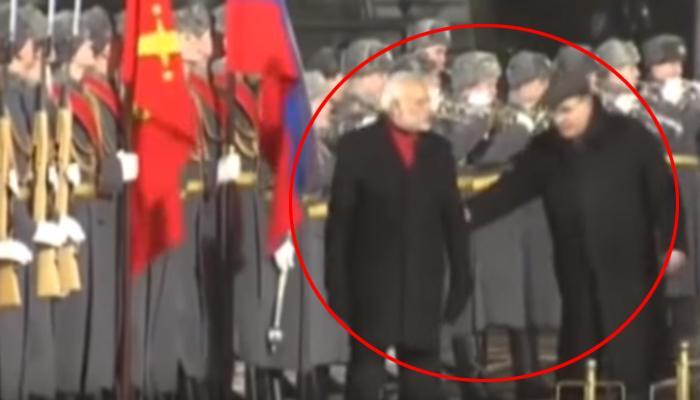 व्हिडिओ : रशियात पंतप्रधान मोदी राष्ट्रगीताला स्तब्ध उभं राहणंच विसरले!