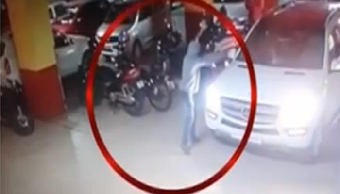 CCTV फुटेज : पुण्यात जीम मालकावर पार्किंगमध्ये गोळीबार