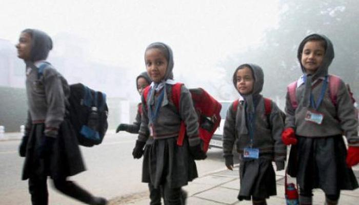 कडाक्याच्या थंडीमुळे दिल्लीतील शाळा २३ जानेवारीपर्यंत बंद