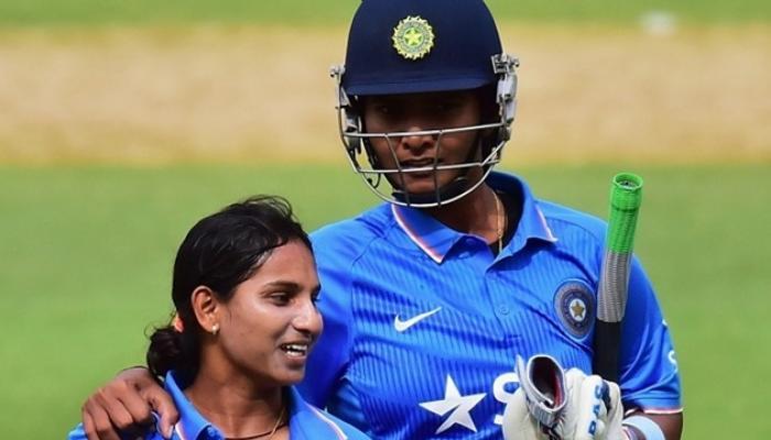 भारतीय महिला संघाने पहिल्या T-20मध्ये ऑस्ट्रेलियाला हरवले