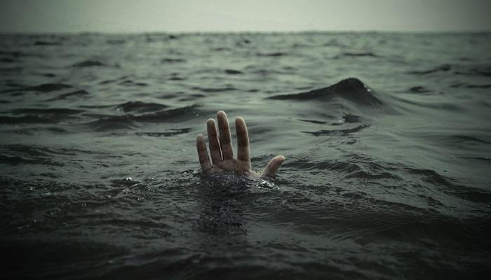 समुद्रात बुडणाऱ्या 4 विद्यार्थ्यांचा या मच्छिमाराने वाचवला जीव