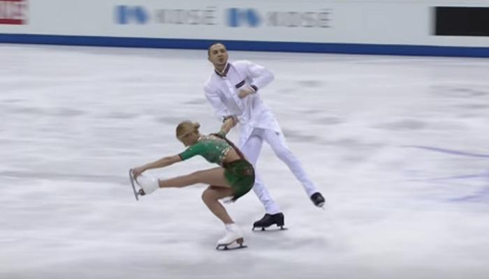 VIDEO : 'राम-लीला'च्या गाण्यावर स्केटिंग डान्स!