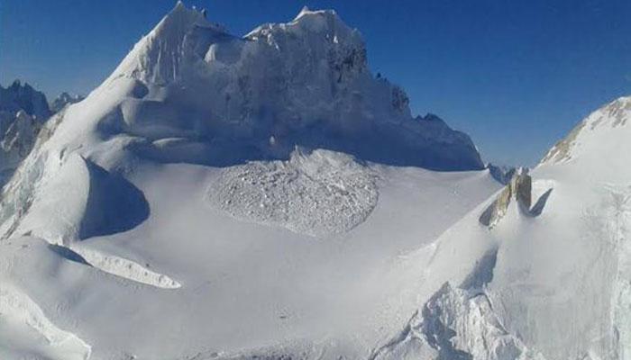सियाचीनमध्ये हिमस्खलनात १० जवान शहीद