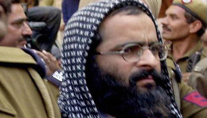 दहशतवादी अफजल गुरू, मकबूल भटच्या अस्थिंसाठी काश्मीर बंद