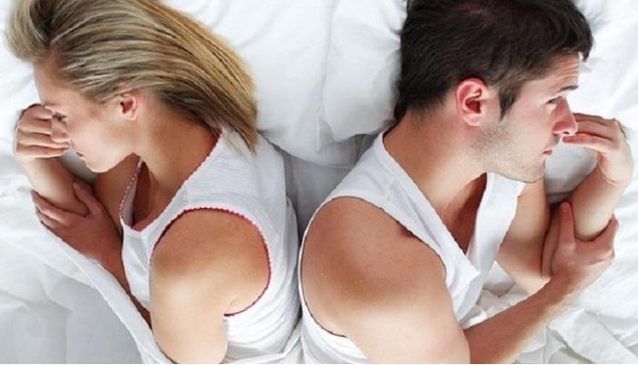 सेक्सची इच्छा कमी होण्याची कारणं