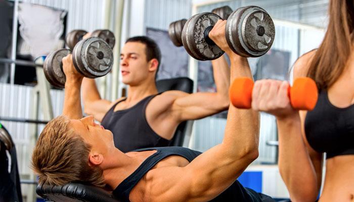 जीममध्ये व्यायाम करायचे हे आहेत फायदे