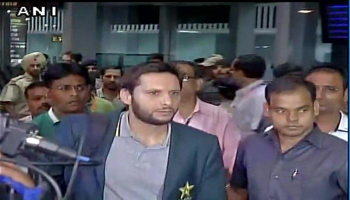 पाकिस्तानची टीम भारतात दाखल