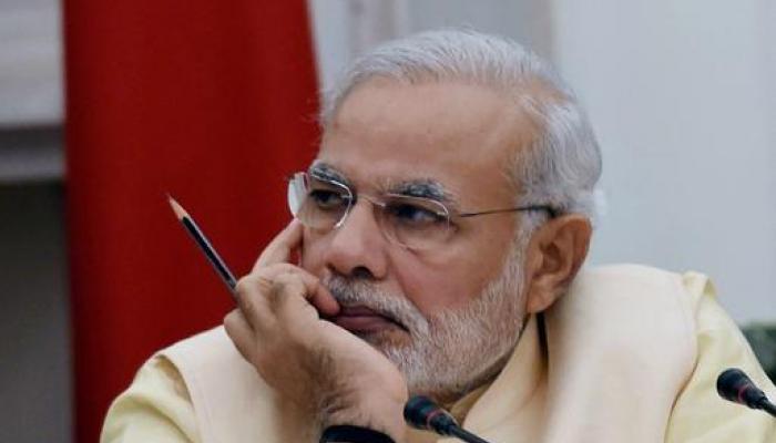PM मोदींनी UPतील भाजप खासदाराना दोन प्रश्न विचारले, त्यांना फुटला दरदरुन घाम