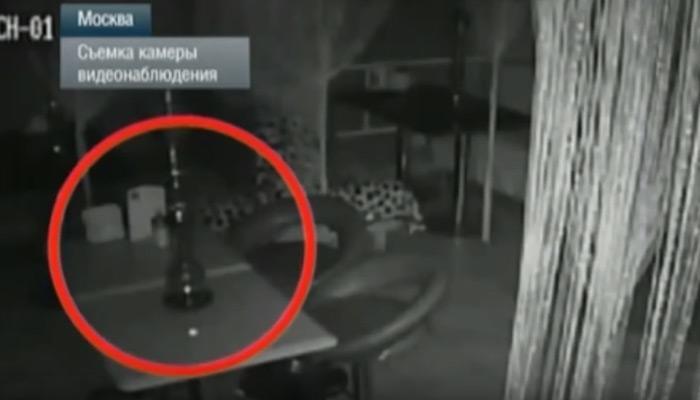 सीसीटीव्ही कैद झाली भुताची हालचाल, हा व्हीडिओ पाहून भीतीचा गोळा येईल?