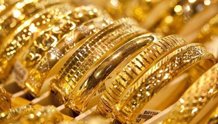 डॉलर मजबूत सोने-चांदीत घसरण