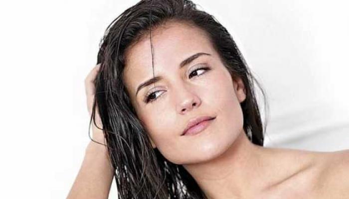 केसांना रोज तेल लावण्याचे फायदे