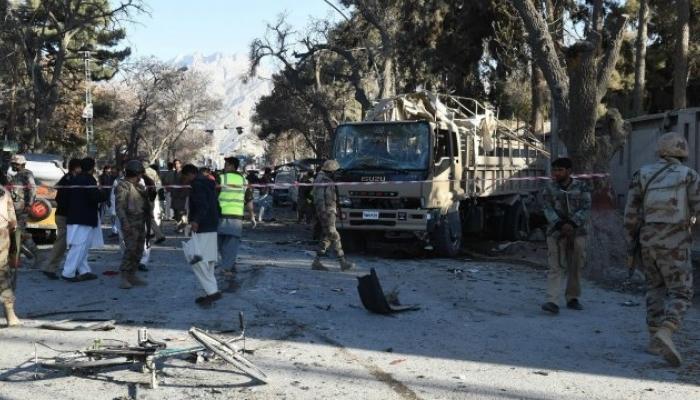 भीषण बॉम्बस्फोटानं पाकिस्तान हादरलं