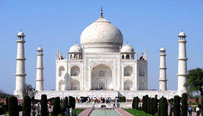 ताज महालच्या मिनाराचा घुमट कोसळला?