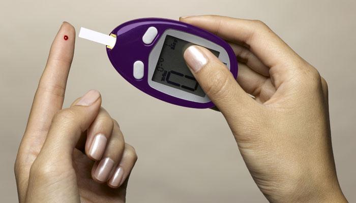 डायबेटिस होण्यापासून रक्षण करण्यासाठी हे टाळा