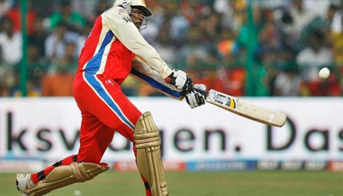आयपीएलमध्ये सर्वाधिक सिक्स मारणारे टॉप ५ क्रिकेटर