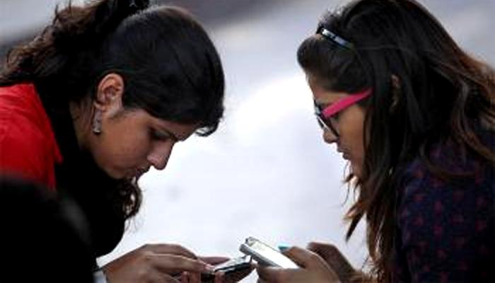 चेक करा तुमच्या मोबाईल धोकादायक तर नाही ना ?