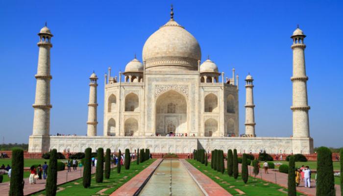 World Heritage Day: कमाईमध्ये सर्वात पुढे आहे ताजमहाल!