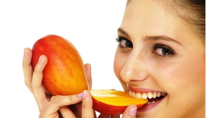 स्वादासाठीच नाही तर सौंदर्यासाठीदेखील उपयोगी आंबा....