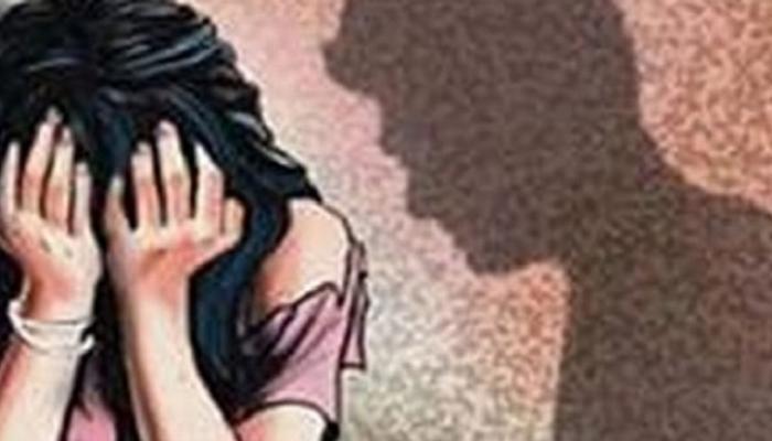 पोलीस उपनिरीक्षकाचा तरुणीवर बलात्कार