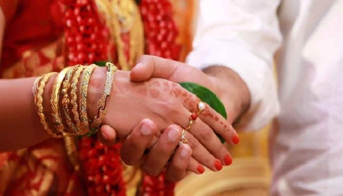 या तरुणीच्या लग्नाआधी सेक्समुळे पाकिस्तानात वाद