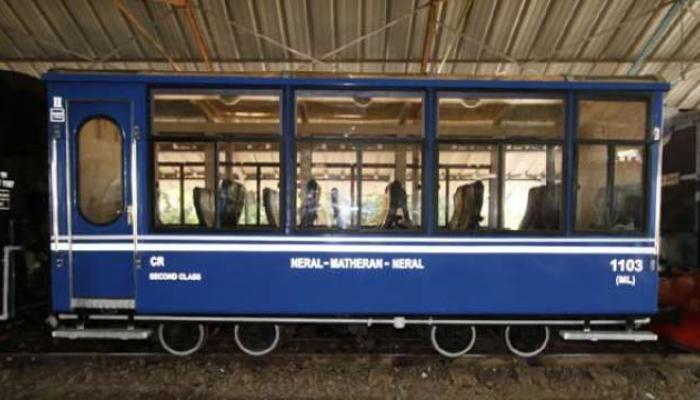 माथेरानमध्ये मिनी ट्रेनचा अपघात