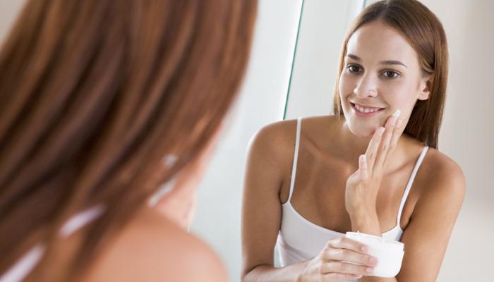 घरगुती उपायांनी घालवा त्वचेचं काळेपण
